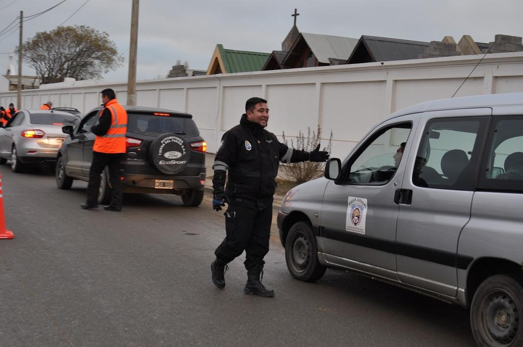 Operativos de control en la vía pública En Río Grande incautaron 17 vehículos por diversas infracciones - La Licuadora