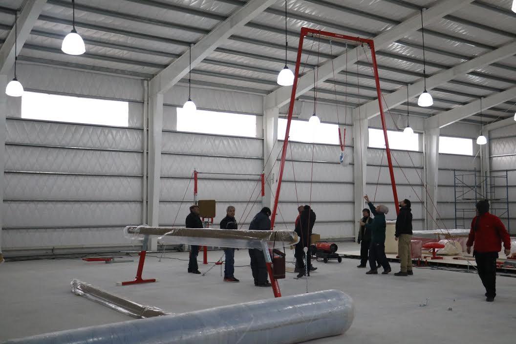Avanza la tarea de instalaci n del equipamiento del centro for Gimnasio del centro