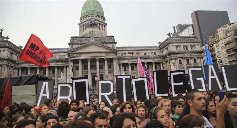 Falleció el genocida Luciano Benjamín Menéndez — Murió la muerte